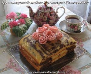 Торт Мраморный с розами из мастики