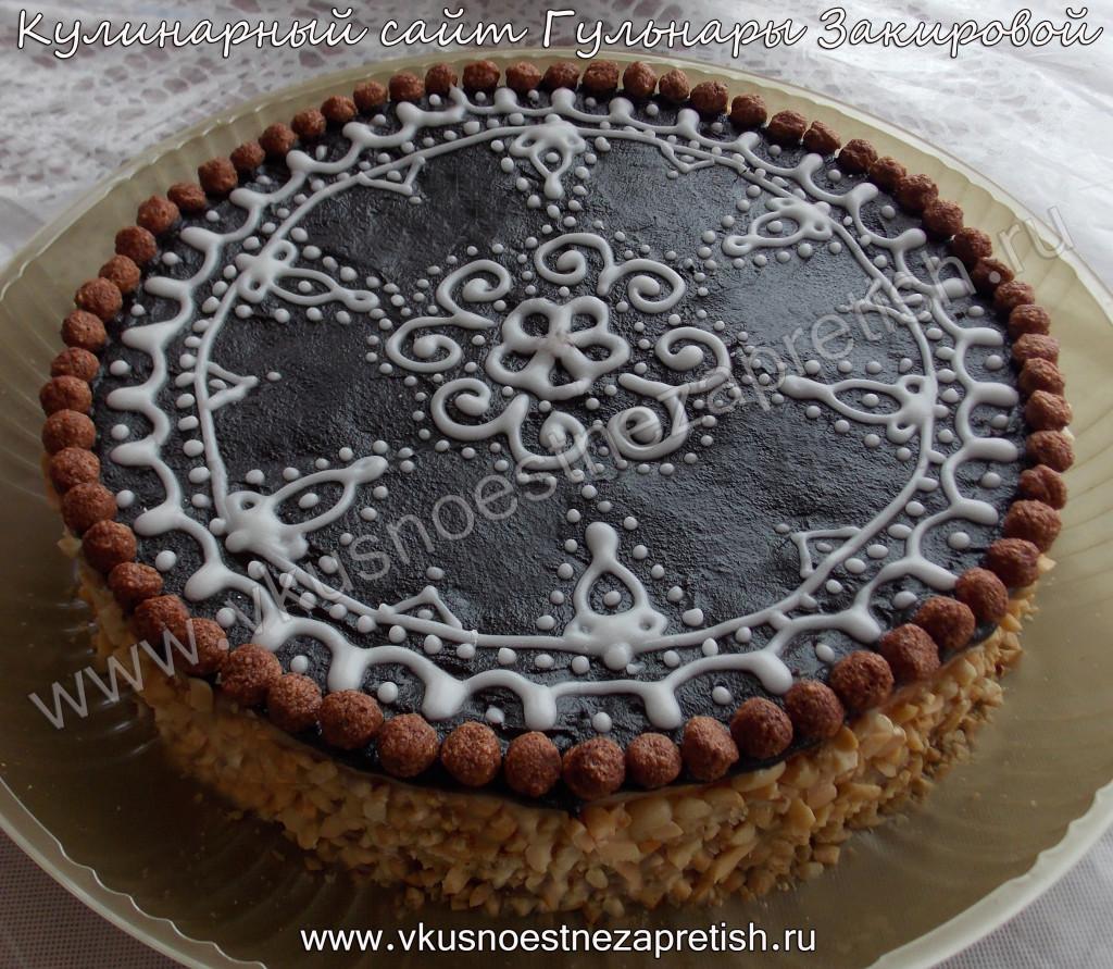 Бисквитный торт с айсингом ажурный